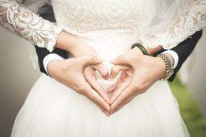 バツイチさんは婚活マッチングアプリで再婚できる?メリット・デメリットと特徴をご紹介!
